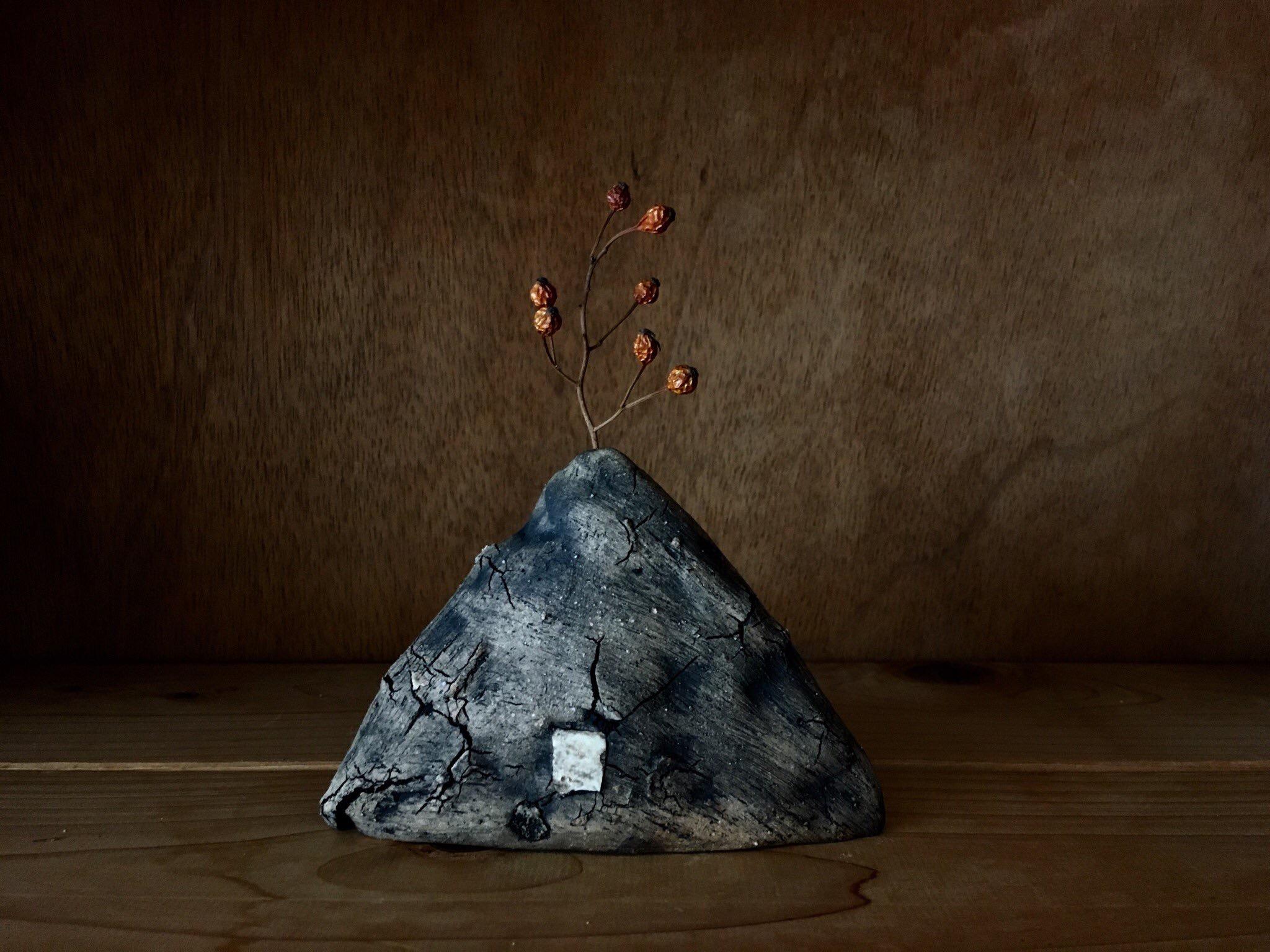 陶芸家植田佳奈さんのテクスチャが面白い作品